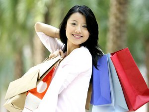 asian-girl-shopping-bags-smile